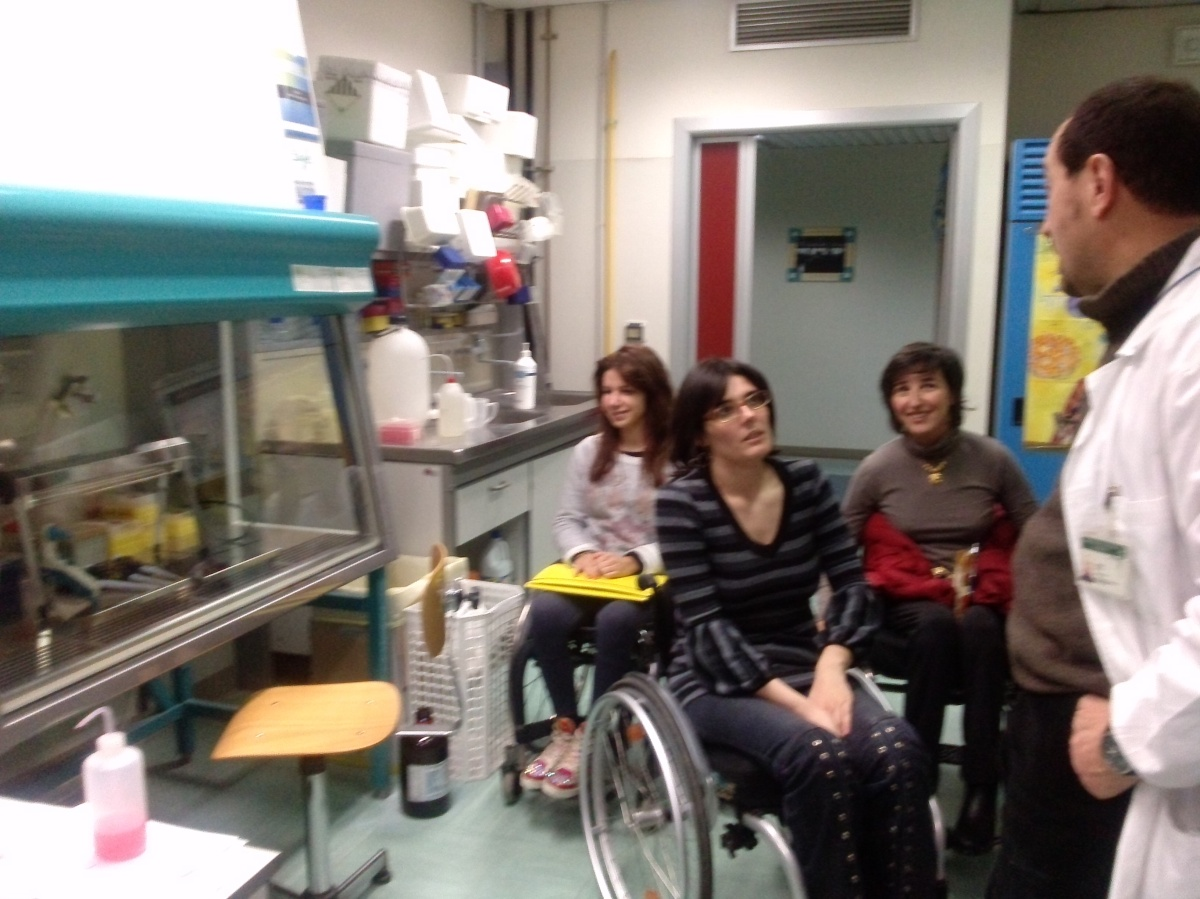Visita ai laboratori di farmacologia dell'ospedale San Paolo di Milano - Intervista al Dr. Bottai